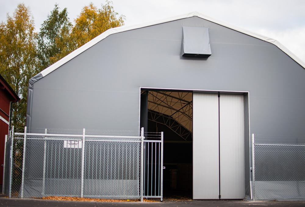 Entrén till den nya lagerhallen hos Dorre Produkter i Borlänge