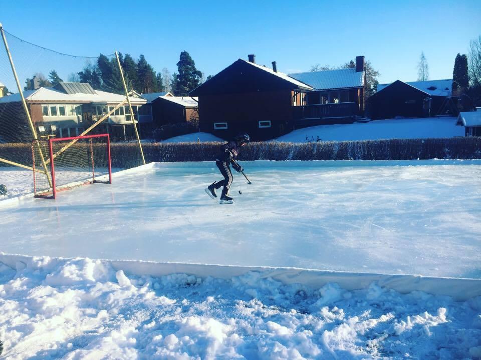 Hemmabyggd hockeyrink