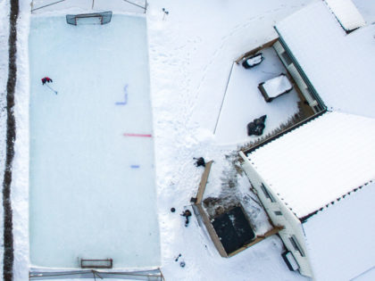 Så bygger du en egen hockeyrink