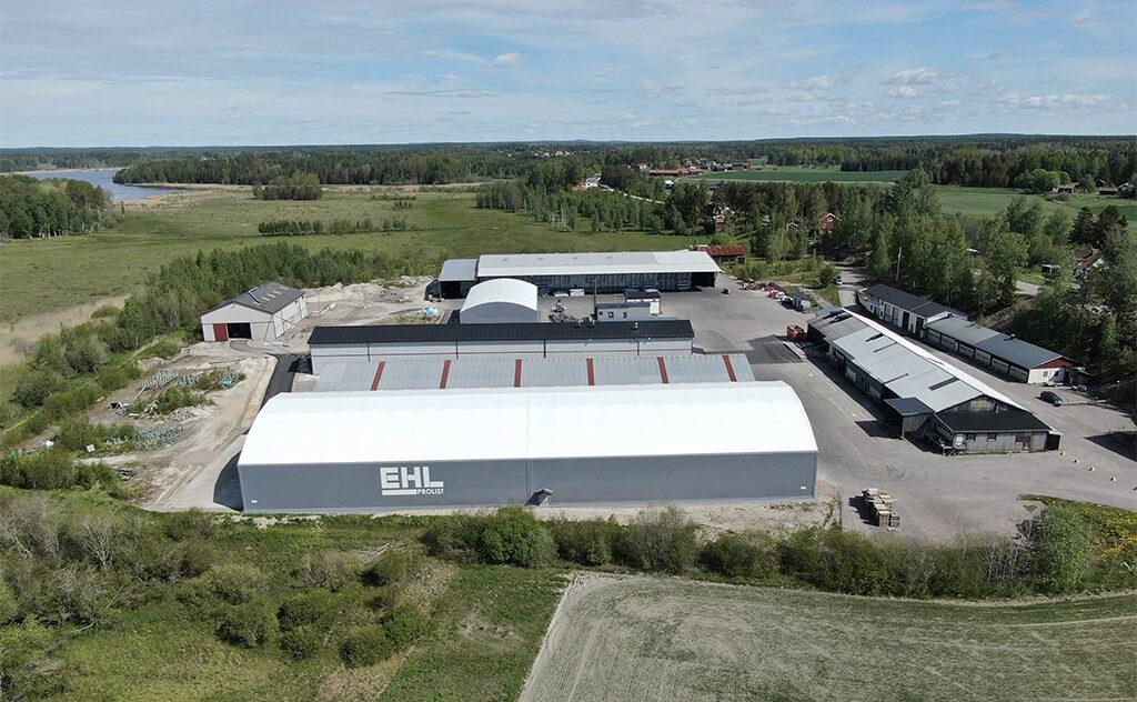 Gråa hallar under blå himmel hos EHL Prolist i Möklinta